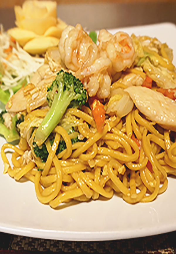 stire-fried yellow noodle